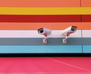 Society between democratization and surveillance. (Photo: Jan Kickinger / EyeEm  gettyimages.de)