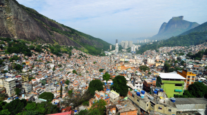 Illustrating the gap between rich and poor on a national level: Rio de Janeiro. Chensiyuan, GFDL (http://www.gnu.org/copyleft/fdl.html)