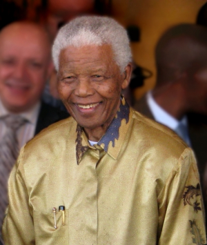 Nelson Mandela in Johannesburg, 2008 (Foto: South Africa The Good News / www.sagoodnews.co.za via Wikimedia Commons CC BY http://creativecommons.org/licenses/by/2.0/)