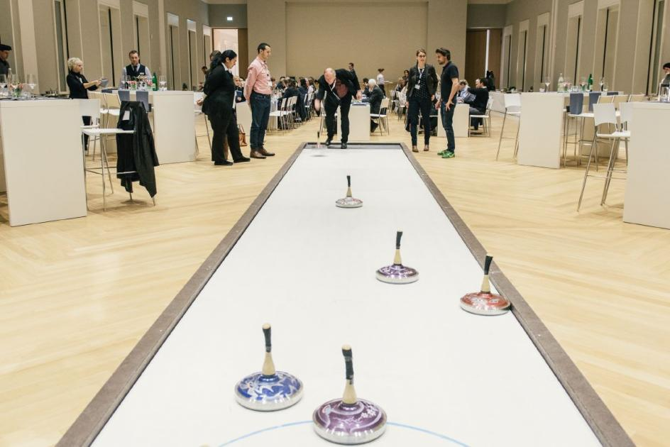... and during a curling game organized by the Volkswagen Foundation's Events Team.