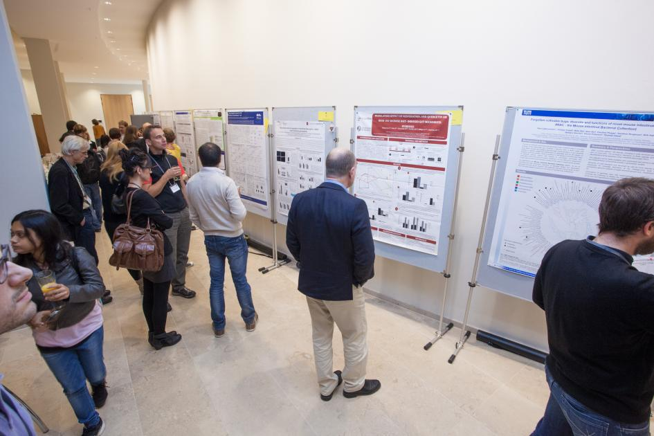 Kristiansens talk was followed by the first poster session by young researchers who were provided with travel grants.