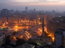 Morgenstimmung am Tahrir Square, Kairo (Foto: Frank Schulenburg via Wikimedia Commons CC BY-SA 3.0 http://creativecommons.org/licenses/by-sa/3.0)